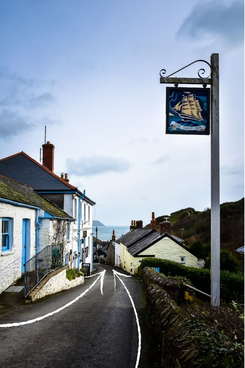 Example of leading lines in travel photography, village in Cornwall